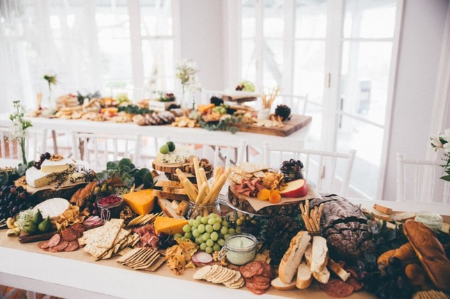 GRAZING TABLE A